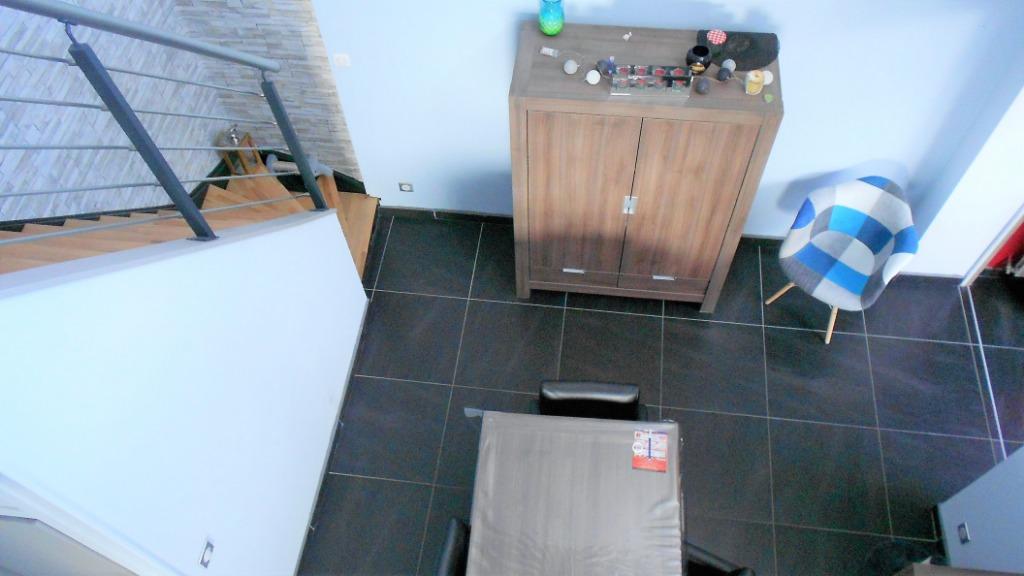 Maison rénovée semi plain pied 225 m2 + grand garage  65 m2