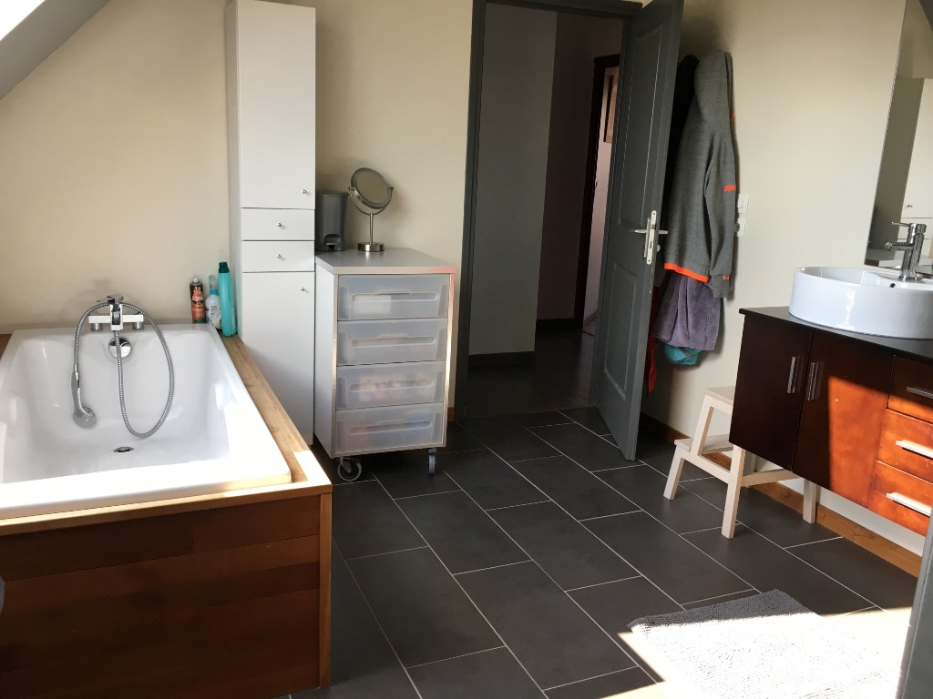 5 minutes d' Aubers, superbe villa individuelle/1340 m²