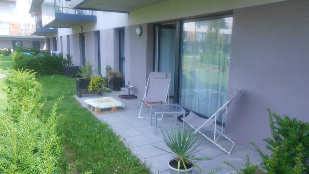 appartement rez-de chaussée, jardin, deux chambres, 60m².