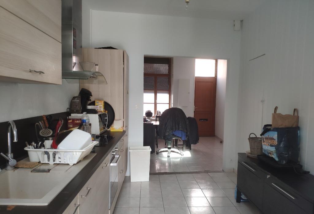Maison mitoyenne chambre + bureau