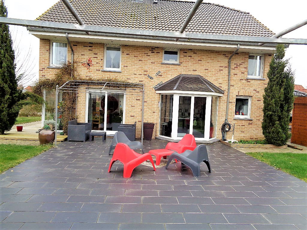 Vente maison 59134 Herlies - Superbe maison contemporaine 3 chambres, 160 m2 habitables!