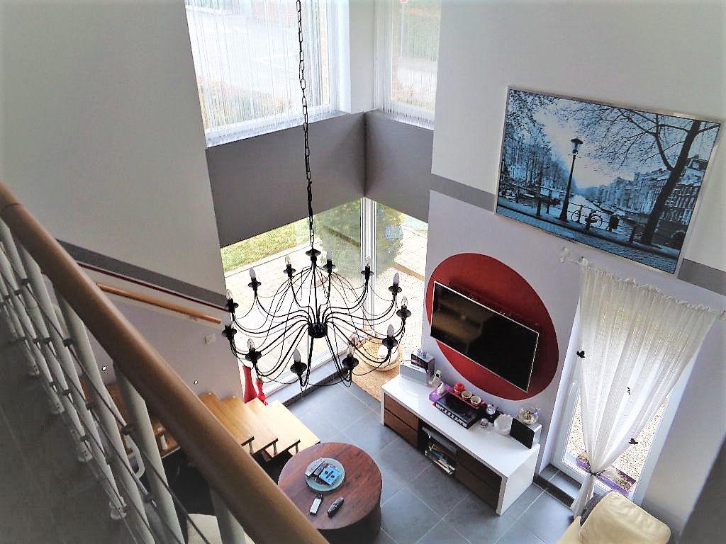 Superbe maison contemporaine 3 chambres, 160 m2 habitables!