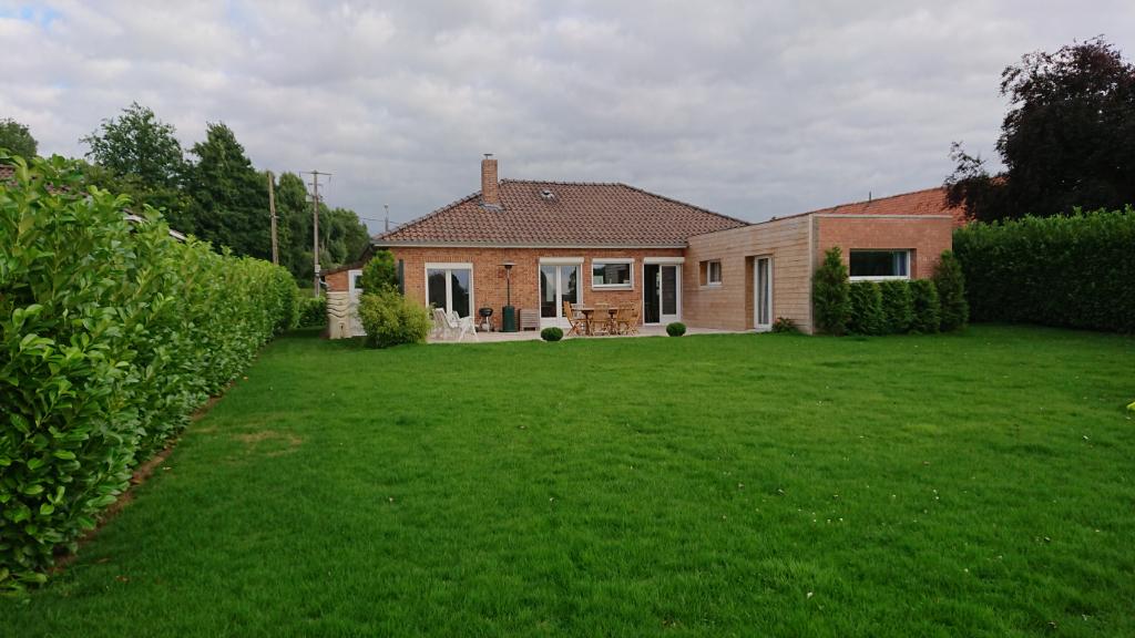Vente maison 59320 Erquinghem le sec - Plain pied Le Maisnil 5 pièce(s) 131.6 m2