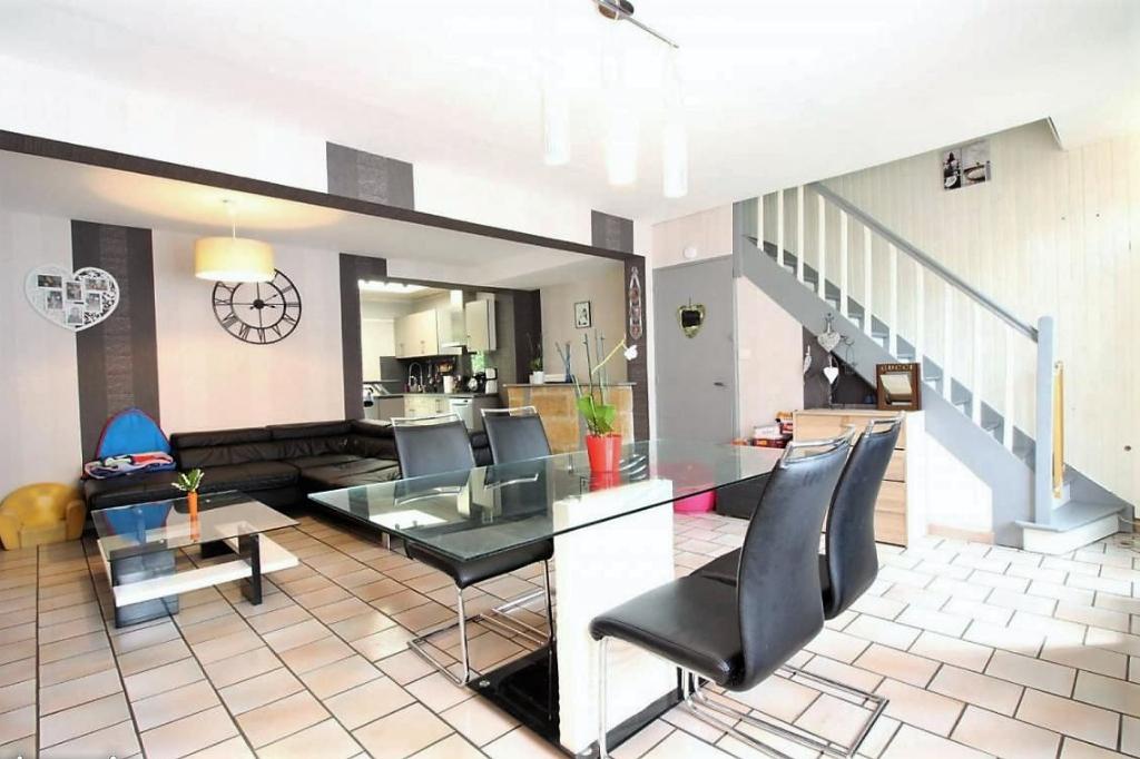 Vente maison 59480 La bassee - Jolie maison de ville rénovée 106 m2
